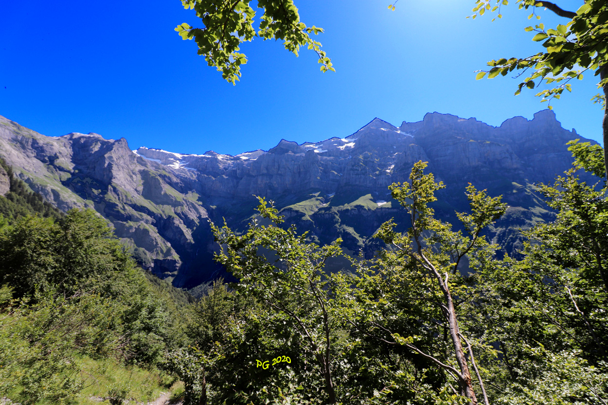 Massif du Tenneverge au Mt Ruan
